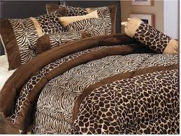 amazon com home collection safari zebra giraffe print brown amazon com home collection safari zebra giraffe print brown micro fur comforter set bed in bag queen size 7 piece home kitchen