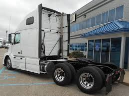 2015 volvo semi for sale volvo tandem axle sleeper for sale 6924