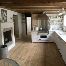 Kitchen Floors Ideas Love This Kitchen The Beams Wood Floors White Cabinets