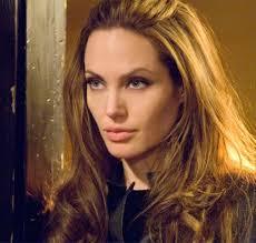 'À Beira-Mar', de Angelina Jolie, recupera o mal- estar do pós-guerra ...