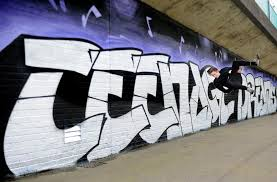 teenage kicks mural belfast live teenage kicks mural is back credit alan lewis2 of 7