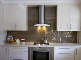 Buying Guide Kitchen Backsplashes - Kitchen with backsplash