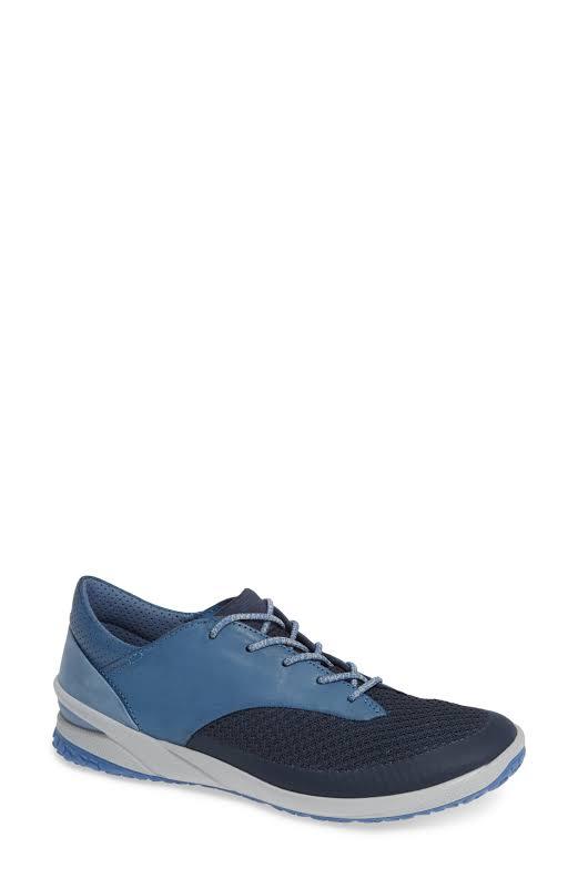 ECCO BIOM LIFE. Outdoor Shoe Marine / Retro Blue