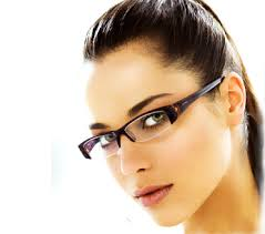 Makeup Tips For Women Who Wear Eyeglasses