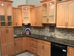 Kitchen Cabinets Design For Small Kitchen by Best 25 Maple Kitchen Cabinets Ideas On Pinterest Craftsman