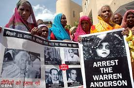 men jailed over      Bhopal gas tragedy that killed            Bhopal disaster