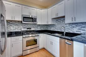 kitchen backsplash ideas with white cabinets hbe kitchen with