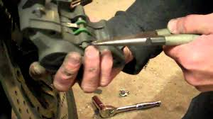 delboy u0027s garage how to replace suzuki bandit brake pads youtube