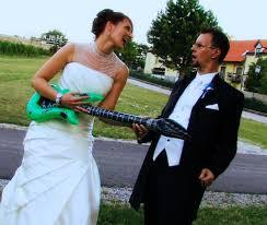 Marryoke Trouwfilm Couple Guitar