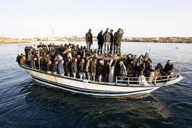 "Dicen que en Cuba... ¿La población cubana ""huye"" del país?  Images?q=tbn:ANd9GcReTdNBReLPq3NKoiyvvPJNhjY-jA9XJjlPhSfA048j3lylVGKRZA&t=1"