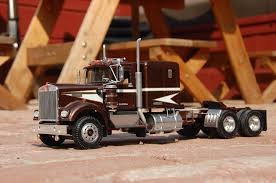 kenworth models amt kenworth w 900 under glass big rigs model cars magazine forum