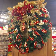 the christmas store new york where it u0027s christmas every day hold