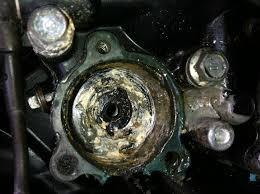 82 v45 magna oil leak pic inside v4musclebike com