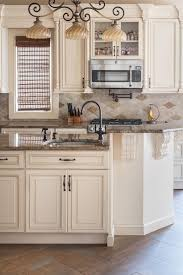 Pic Of Kitchen Cabinets by Best 25 Ivory Kitchen Cabinets Ideas On Pinterest Ivory