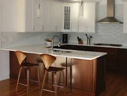 a kitchen peninsula better than an island