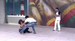 Fátima Bernardes leva tombo ao jogar capoeira com Rodrigo Simas ...