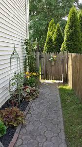 walkway ideas for backyard best 25 side yards ideas on pinterest side yard landscaping