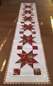 Quilted Table Runners by Best 25 Christmas Table Runners Ideas On Pinterest Patchwork