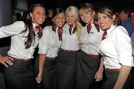 Do Pilots Hook Up With Flight Attendants  An Airline Pilot Answers My friend Mike  is a First Officer at a regional airline here in the U S  He     s graciously agreed to answer some questions exclusively for Flight Club about