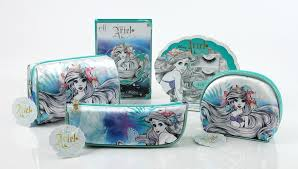 Ariel et blanche neige chez elf  Images?q=tbn:ANd9GcRtFY-3ZF-1y1zV7u07PTegJlRMD4rLE8xvrBT2fLxUgWHseyoBpzz5a_2T