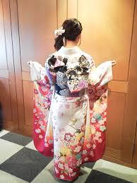 着物のパンティーライン|振袖 着物 裾 たくし上げ 和服 パンチラ エロ画像【27】