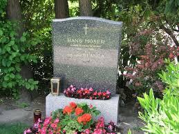 Grab von Hans Moser auf dem Wiener Zentralfriedhof \u0026middot; Hans Moser ( * 6. August 1880 in Wien, † 19. Juni 1964 in Wien) war ein Schauspieler aus ... - 56040133-hans-moser-grab