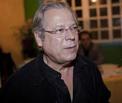 Do Josias de Souza: Mesmo preso, José Dirceu continua colecionando desafetos. Acaba de comprar briga com os bibliotecários. Açulou a corporação ao aceitar a ... - unnamed-41