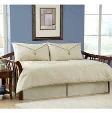 Cute Daybeds Bedspreads For Daybeds Buying Tips Bedspreadss Com Bedspreadss Com