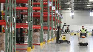 Amazon plans     M investment in Shakopee  Video    Minneapolis     Amazon is making plans to build an         square foot distribution center in Shakopee