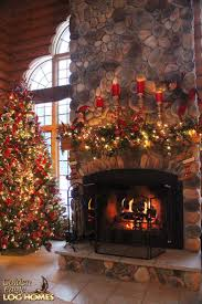 Homes With Christmas Decorations by Best 20 Cabin Christmas Ideas On Pinterest Cabin Christmas
