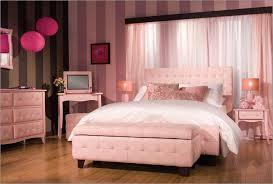 غرف نوم.... Images?q=tbn:ANd9GcS1i2zKWxNNw1AVYs10fut_-nybNBsKhu8FK0ilOrSvpH6G11zKNA