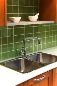 Green Tile Backsplash by Choosing And Installing Kitchen Backsplash Tiles