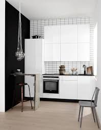 Small White Kitchen Design Ideas by Best 25 Small White Kitchens Ideas On Pinterest Small Kitchens