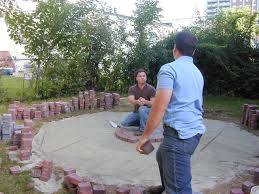 Brick Paver Patterns For Patios by How To Lay A Circular Paver Patio How Tos Diy