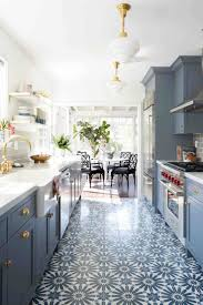 Best Paint For Kitchen Cabinets 2017 by Best 25 Color Kitchen Cabinets Ideas Only On Pinterest Colored
