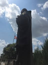 Halloween Usa Columbus Ohio Protesters Call For Removal Of Christopher Columbus Statue Nbc4i Com