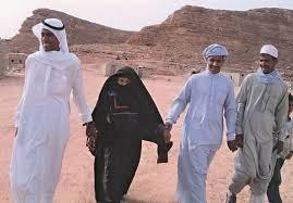 Какой предмет одежды под штанами в наполеоновской армии был черного цвета?
