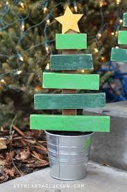 Diy Mini Christmas Trees Pinterest Best 25 Wooden Christmas Trees Ideas On Pinterest Wood