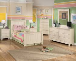 Vintage White Bedroom Furniture Antique White Dresser Bedroom Furniture U003e Pierpointsprings Com