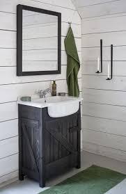 Bathroom Interior Design Ideas by Best 25 Small Rustic Bathrooms Ideas On Pinterest Small Cabin