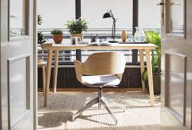 Office Desk Plants by How To Improve Your Office With Feng Shui