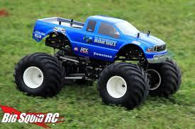 monster trucks cool video everybody u0027s scalin u0027 for the weekend u2013 bigfoot 4 4 monster truck