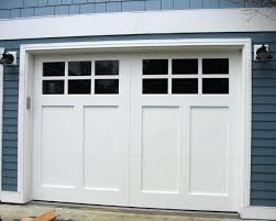 Graves Garage Doors by Best 25 Carriage Style Garage Doors Ideas Only On Pinterest