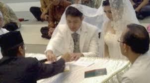 VIDEO PERNIKAHAN ANDHARA EARLY DAN BUGI RAMADHAN 2011