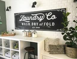Fixer Upper Living Room Wall Decor 25 Ways To Give Your Laundry Room A Vintage Makeover Laundry