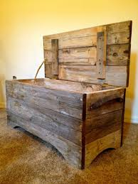 Wood Bench Plans Indoor by Best 25 Wood Chest Ideas On Pinterest Pallet Chest Pallet Toy