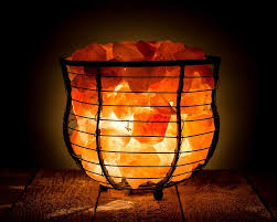 Himalayan Salt Light by Do Himalayan Salt Lamps Live Up To The Hype The Paleo Hippie