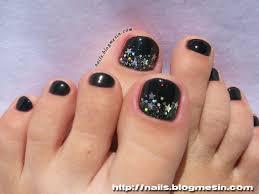 black toenails design my toe nails pinterest mani pedi toe