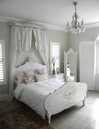 White Shabby Chic Chandelier by 25 Delicate Shabby Chic Bedroom Decor Ideas Shelterness