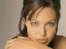 Jadore Agélina Jolie c'est mon actrice préferé. - manelle320090218134817